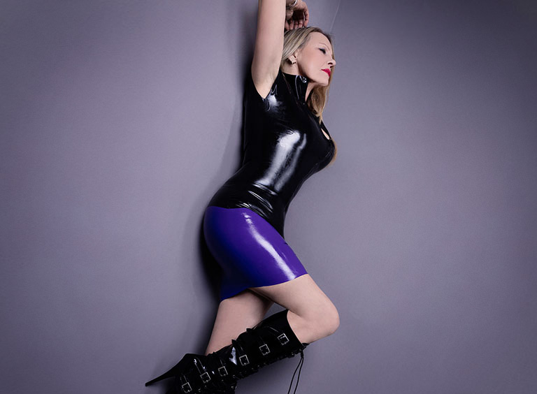 Domina Leah Sue